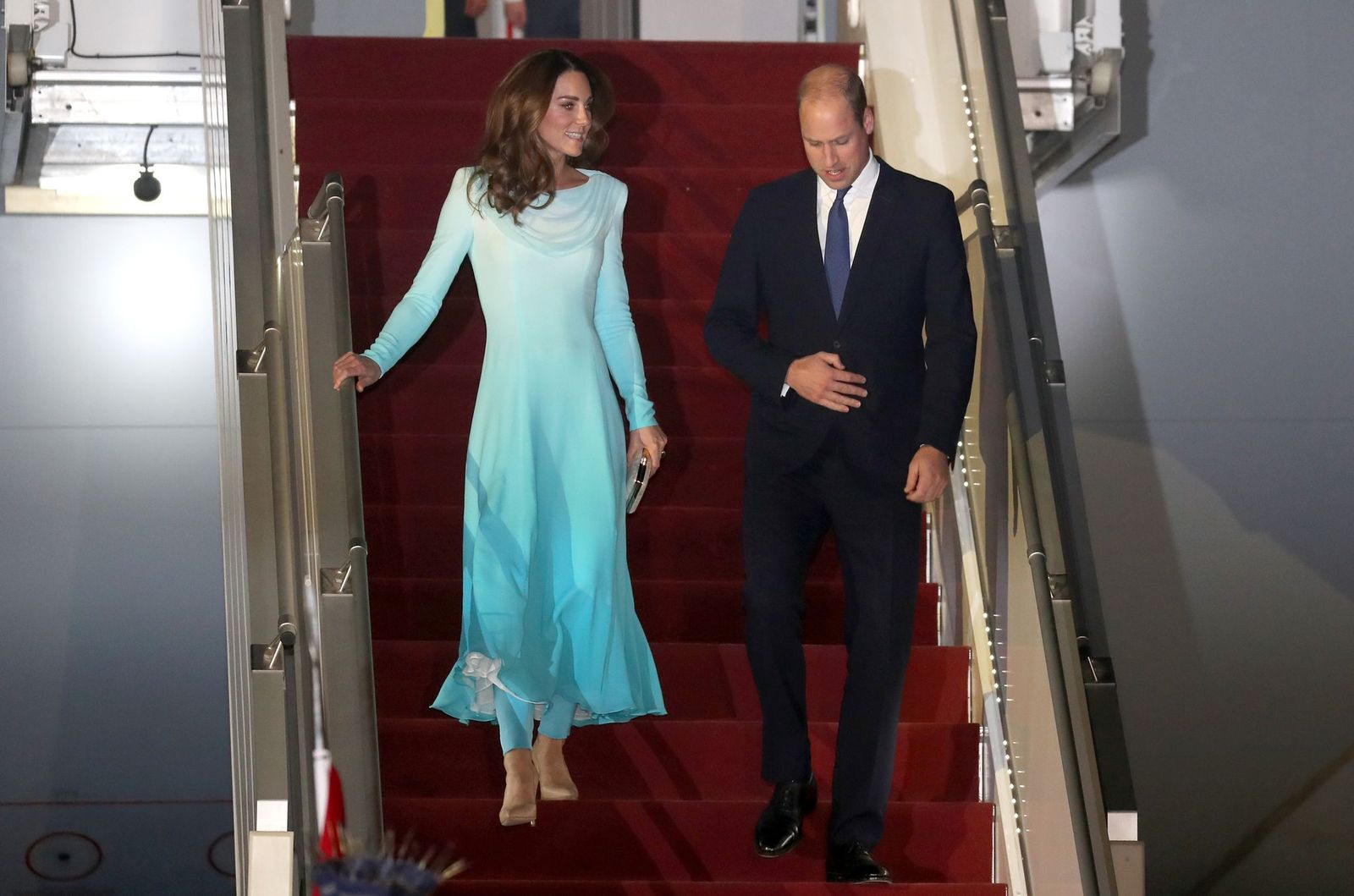 Kate Middleton and Prince William at Kur Khan airbase ahead of their royal tour of Pakistan on October 14, 2019 | Photo: Getty Images