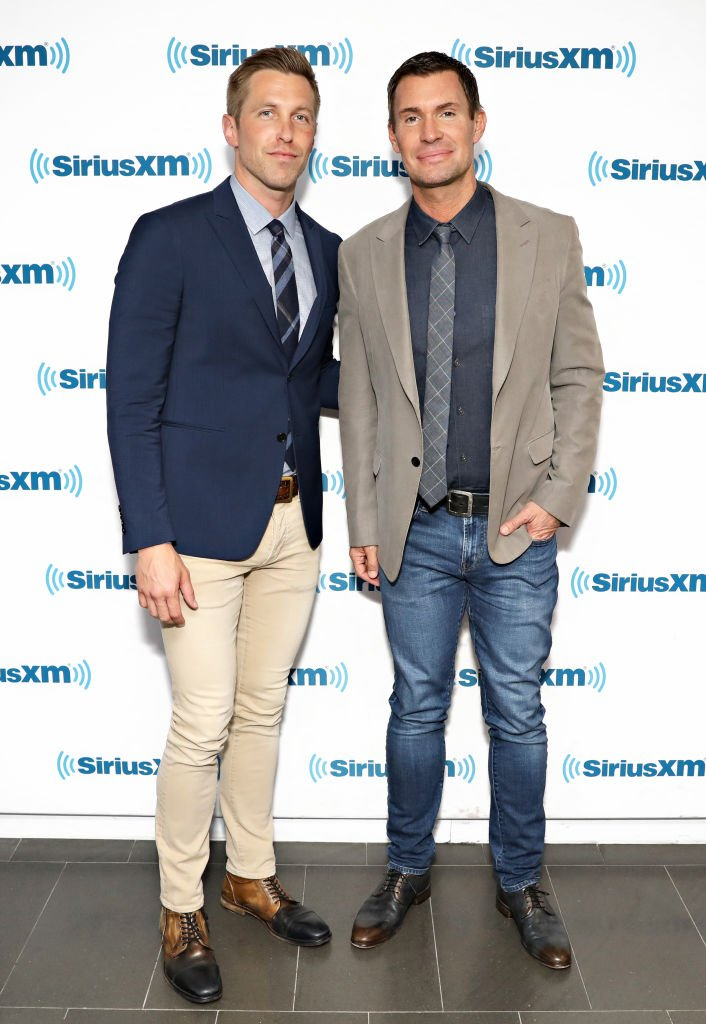Gage Edward and Jeff Lewis at the SiriusXM Studios. | Source: Getty Images