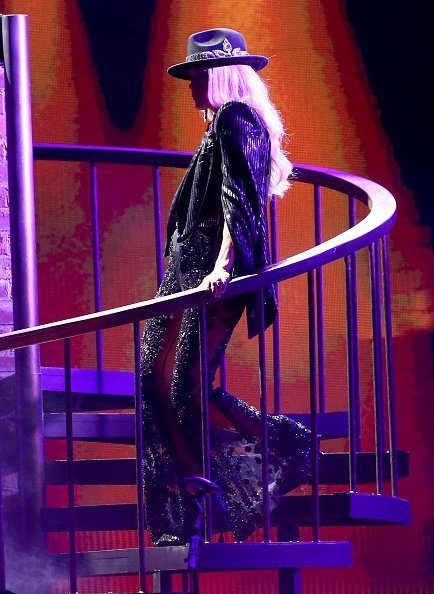 Carrie Underwood performs onstage during the 53rd annual CMA Awards at the Bridgestone Arena in Nashville, Tennessee | Photo: Getty Images