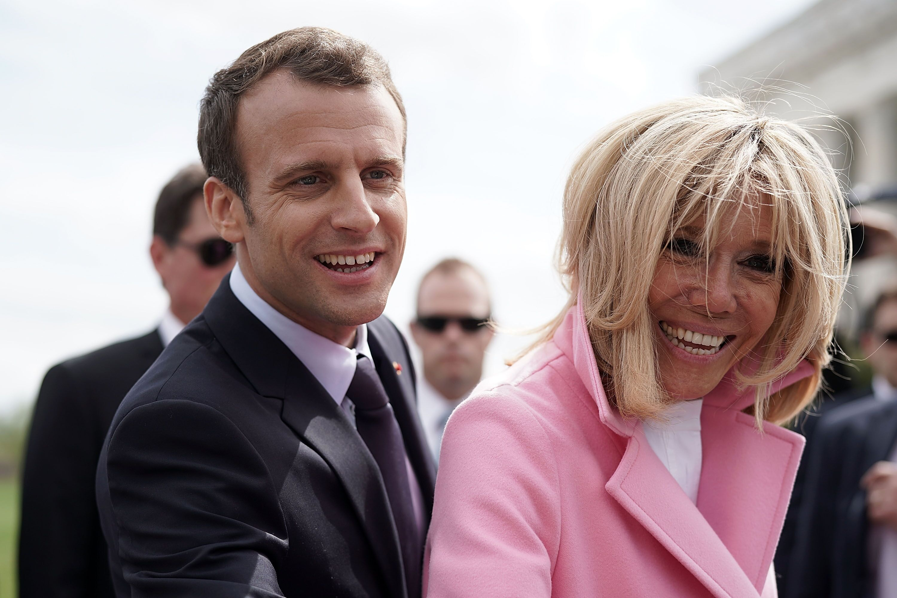 Brigitte et Emmanuel Macron souriants. l Source: Getty Images