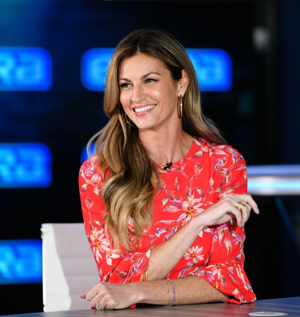 "Erin Andrews visits ""Extra"" at Burbank Studios on October 01, 2019, in California 