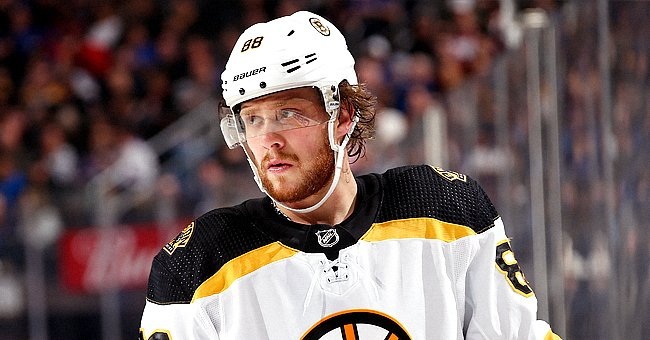 NHL Star David Pastrnak's Son Dies at 6 Days Old: 'Heartbreaking Times'
