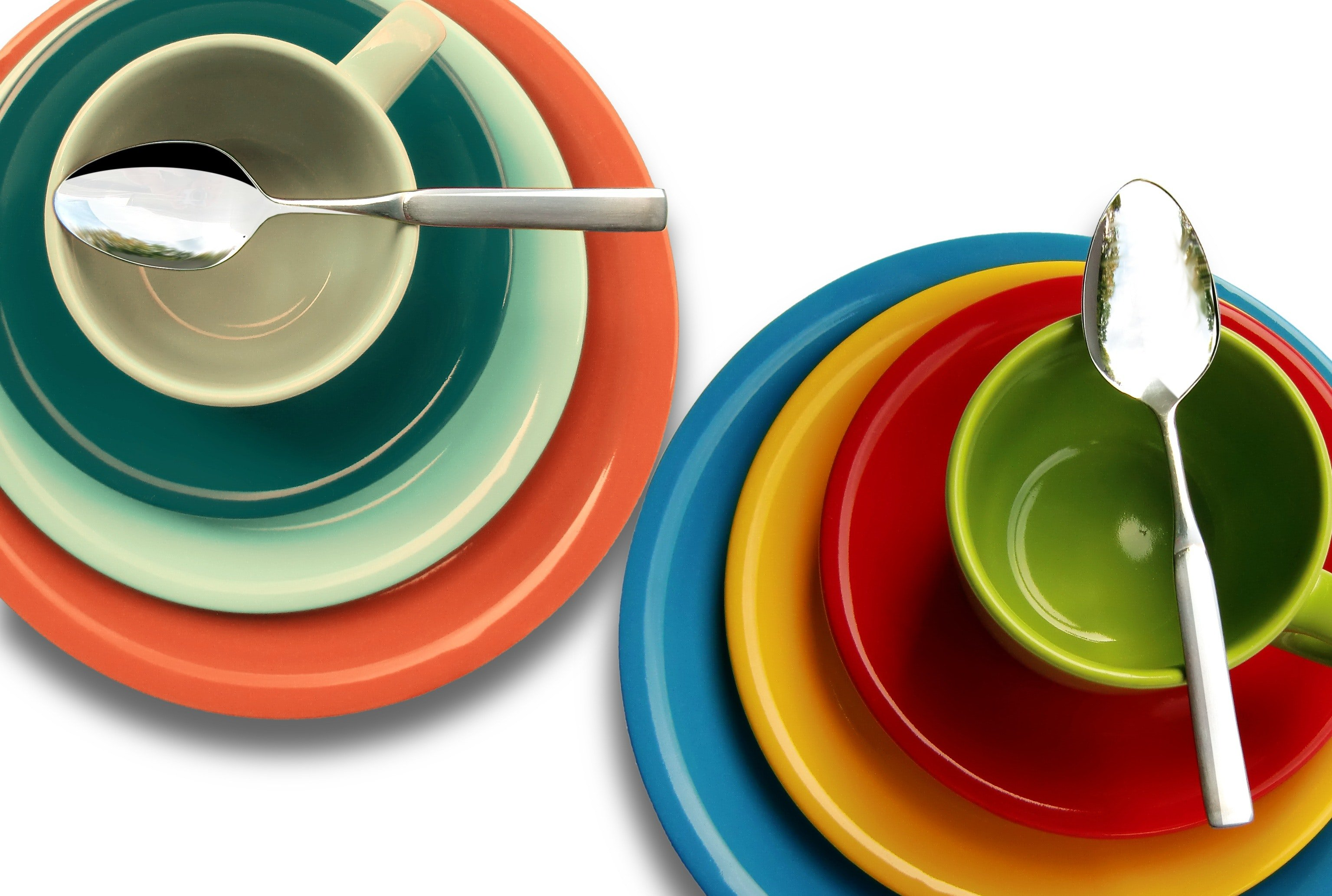 Pictured - A photo of colorful plates and cups | Source: Pexels