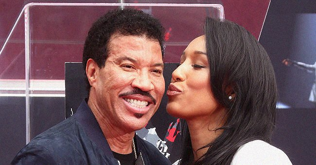 Lionel Richie's Girlfriend Lisa Looks Beautiful Posing In a Stylish Ensemble In Natural Makeup