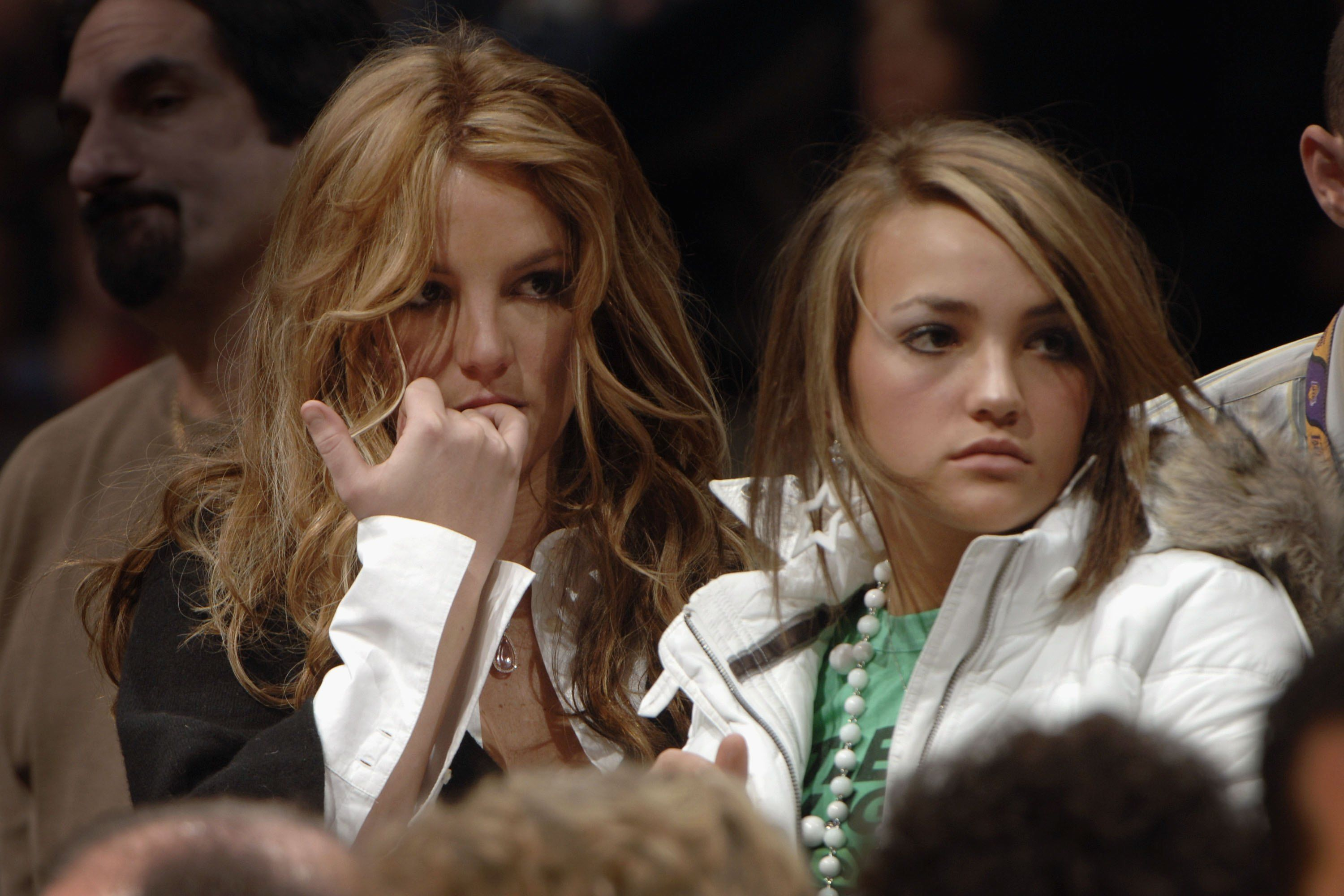 Britney Spears sand sister Jamie Lynn Spears at a Los Angeles Lakers' game in 2006 at Staples Center in Los Angeles   Source: Getty Images