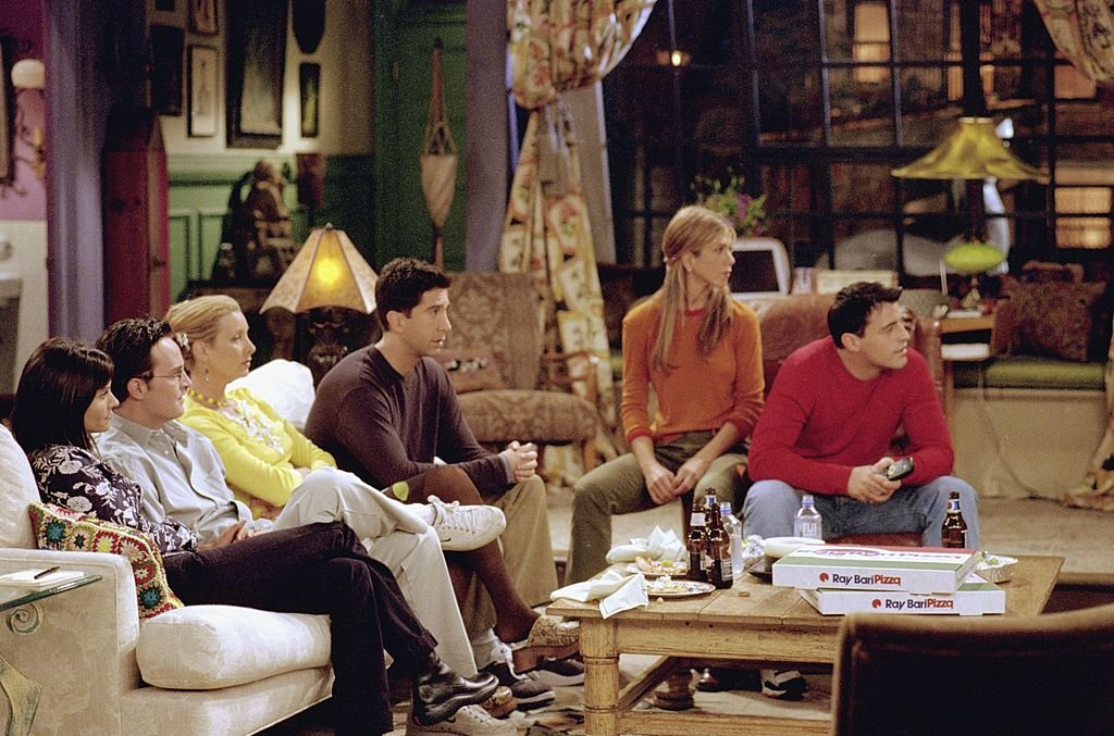 """The cast of Friends on """"The One With Rachel's Assistant"""" 