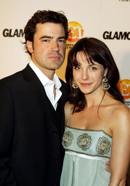 Lisa Sheridan und Ron Livingstone, Entertainment Tonight Emmy Party, 2003 | Quelle: Getty Images