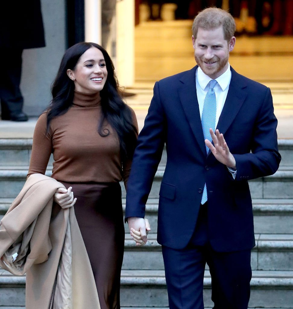 Le prince Harry, duc de Sussex, et Meghan, duchesse de Sussex, quittent la Maison du Canada le 7 janvier 2020 à Londres, en Angleterre. | Photo : Getty Images