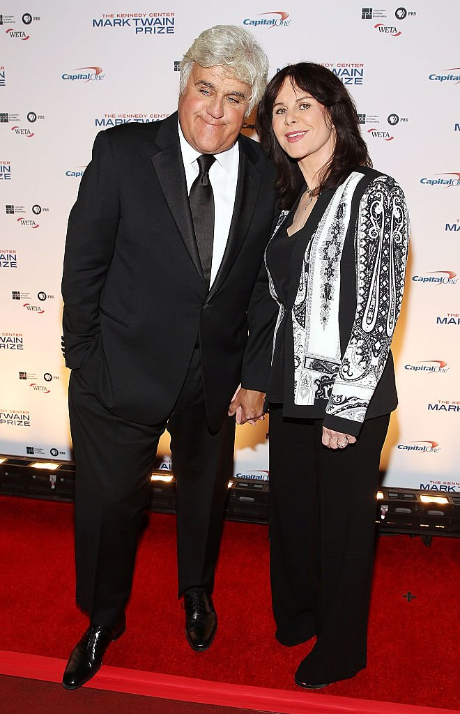 Jay Leno and his wife Mavis Leno at the 2014 Kennedy Center's Mark Twain Prize at The Kennedy Center on October 19, 2014 | Photo: Getty Images