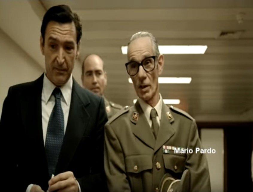 Mario Pardo caracterizando a un oficial. | Foto: YouTube/Paco San Jose
