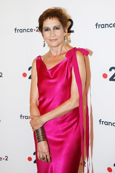 "Caroline Loeb assiste à la ""Cérémonie des Molieres 2018"" à la Salle Pleyel le 28 mai 2018 à Paris, France. 