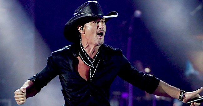 Tim McGraw Impresses Fans as He Shares Photo of His Huge Christmas Tree