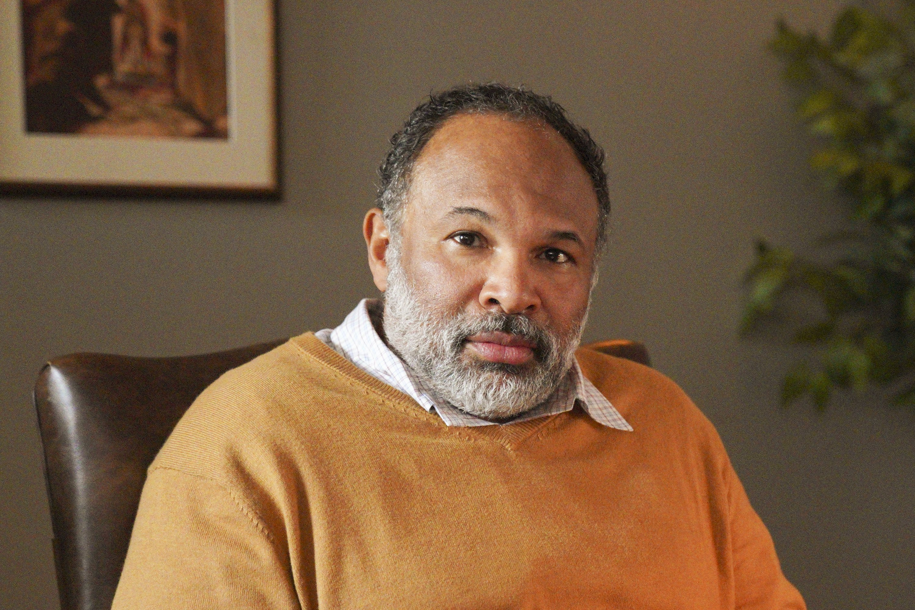 """Geoffrey Owens as Pastor Paul on """"Bless this Mess,"""" February 07, 2020 