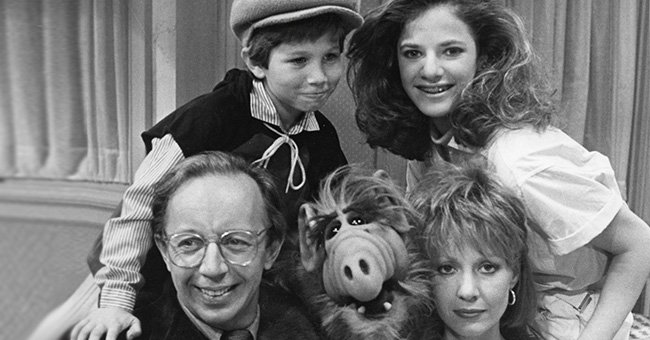 "Max Wright, Benji Gregory, Andrea Elson, and Anne Shedeen with ALF aka Alien Life Form in still from the TV show ""ALF"" on May 23, 1986 in Los Angeles, California 