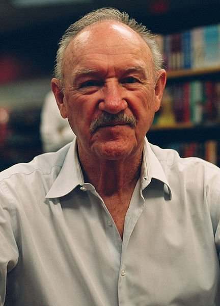Gene Hackman at a book signing in June 2008. | Source: Wikimedia Commons