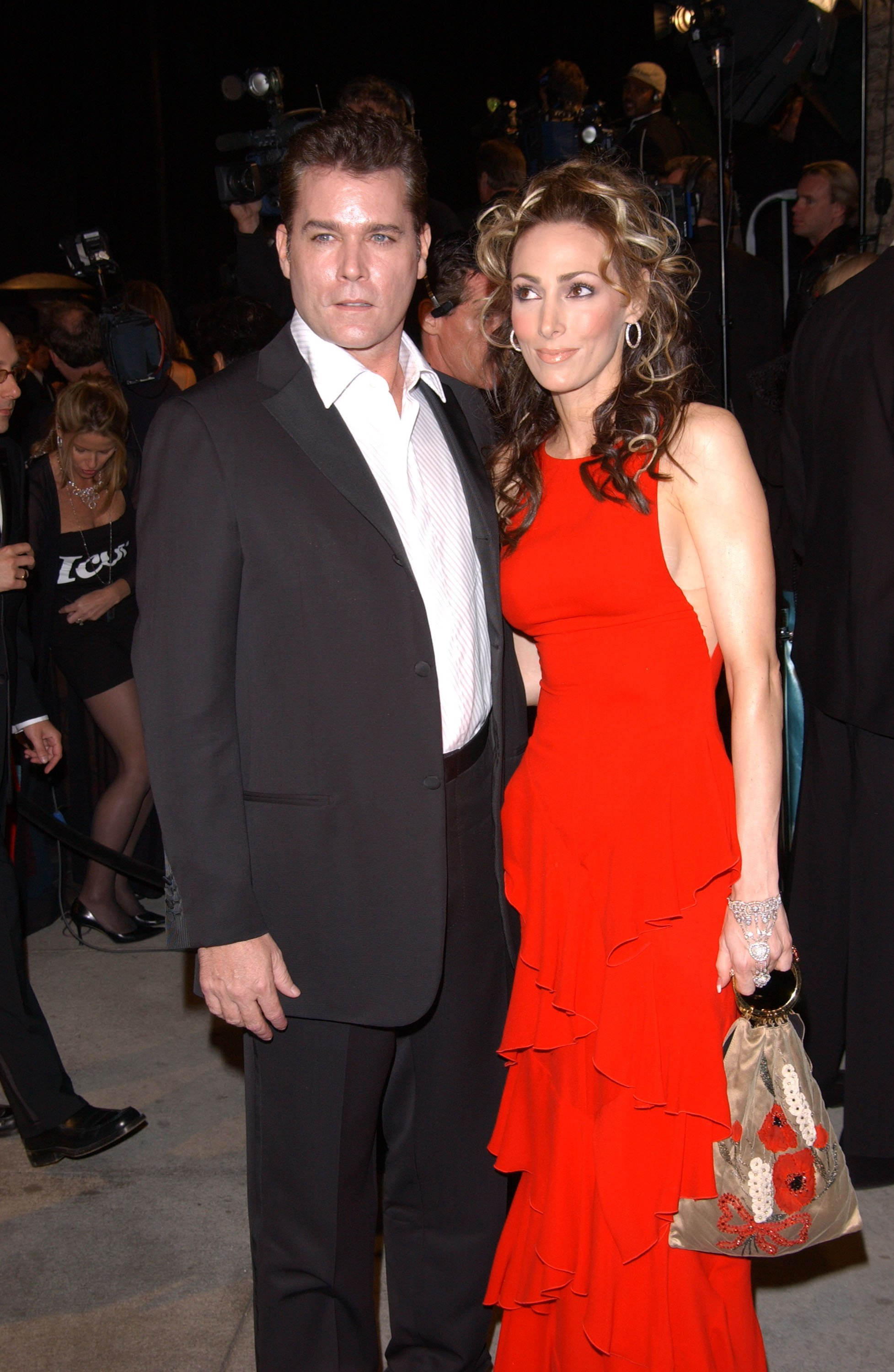Ray Liotta and his wife Michelle Grace attend the Vanity Fair Oscar Party at Mortons March 24, 2002, in West Hollywood, CA. | Source: Getty Images.