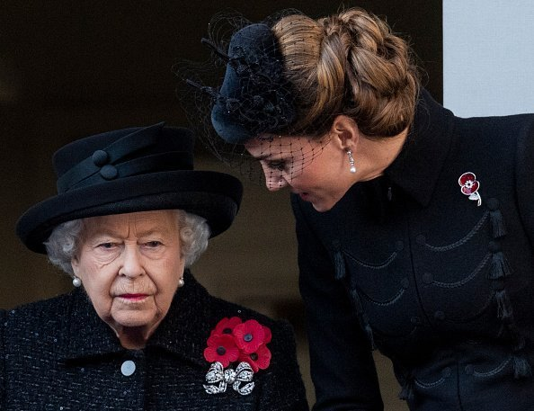 Queen Elizabeth II and Catherine at The Cenotaph on November 10, 2019 | Photo: Getty Images