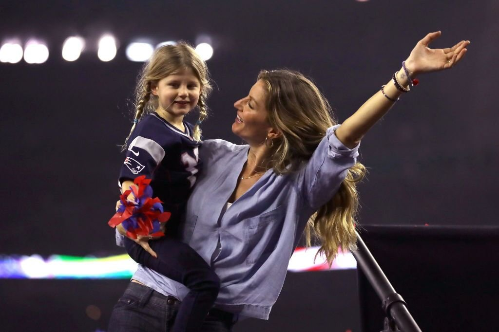Gisele Bundchen celebrates with daughter Vivian Brady after the New England Patriots defeated the Atlanta Falcons during Super Bowl 51 at NRG Stadium  | Getty Images / Global Images Ukraine