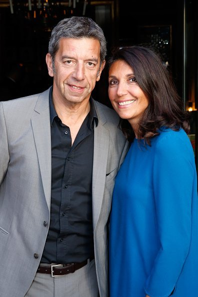"Michel Cymes et son épouse Nathalie assistent au dîner du ""Trophée des légendes"" à Paris, France. 