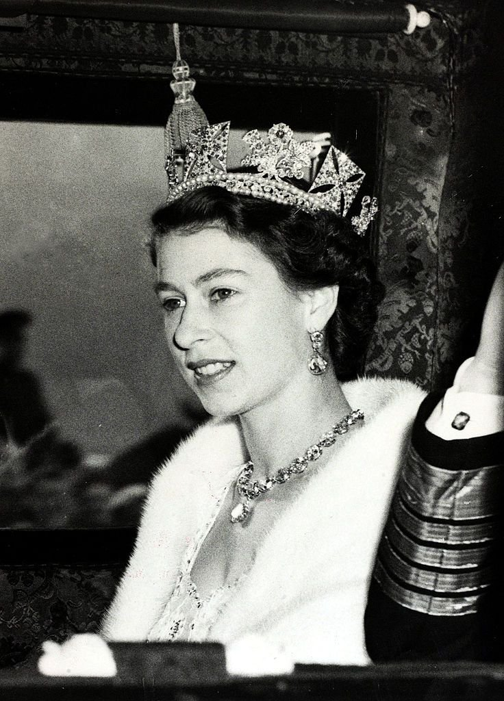 Queen Elizabeth at Westminster for the State Opening of Parliament on the 3rd November 1953 | Photo: Getty Images