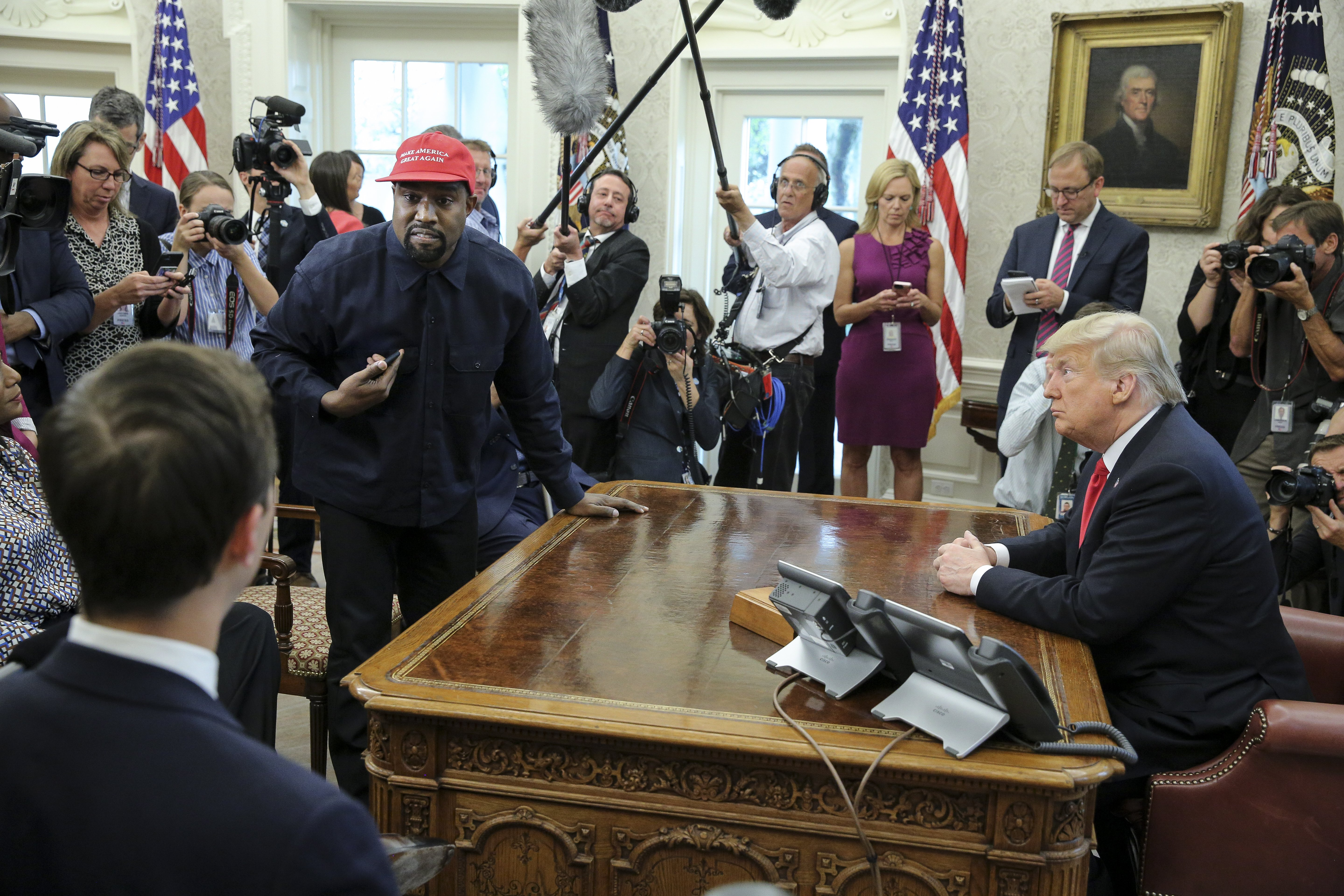 Kanye West meeting in the Oval Office with President Donald Trump in October 2018 | Photo: Getty Images