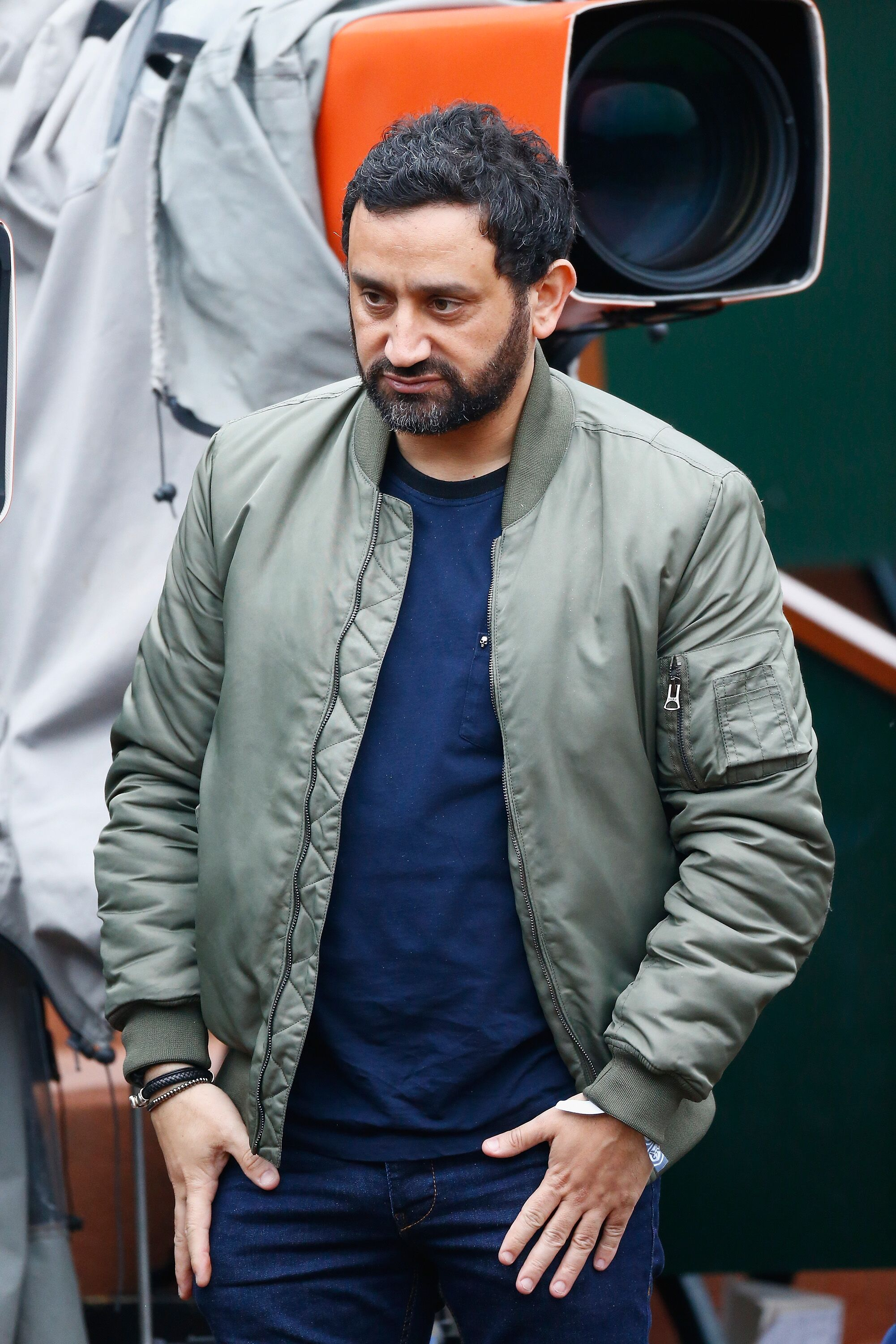 Cyril Hanouna assiste à l'Open de Tennis de France Jour 8 à Roland Garros le 29 mai 2016 à Paris, France. | Photo : Getty