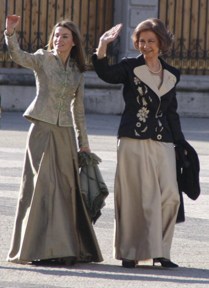 La reina Sofia y doña Letizia en la Pascua Militar de 2009. |Foto: Wikimedia Commons