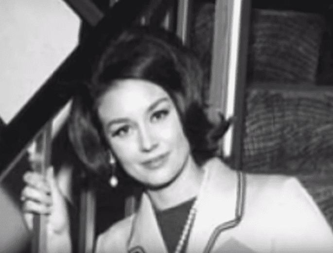 La actriz peruana Saby Kamalich en su juventud. | Fuente: YouTube / Imagen Entretenimiento