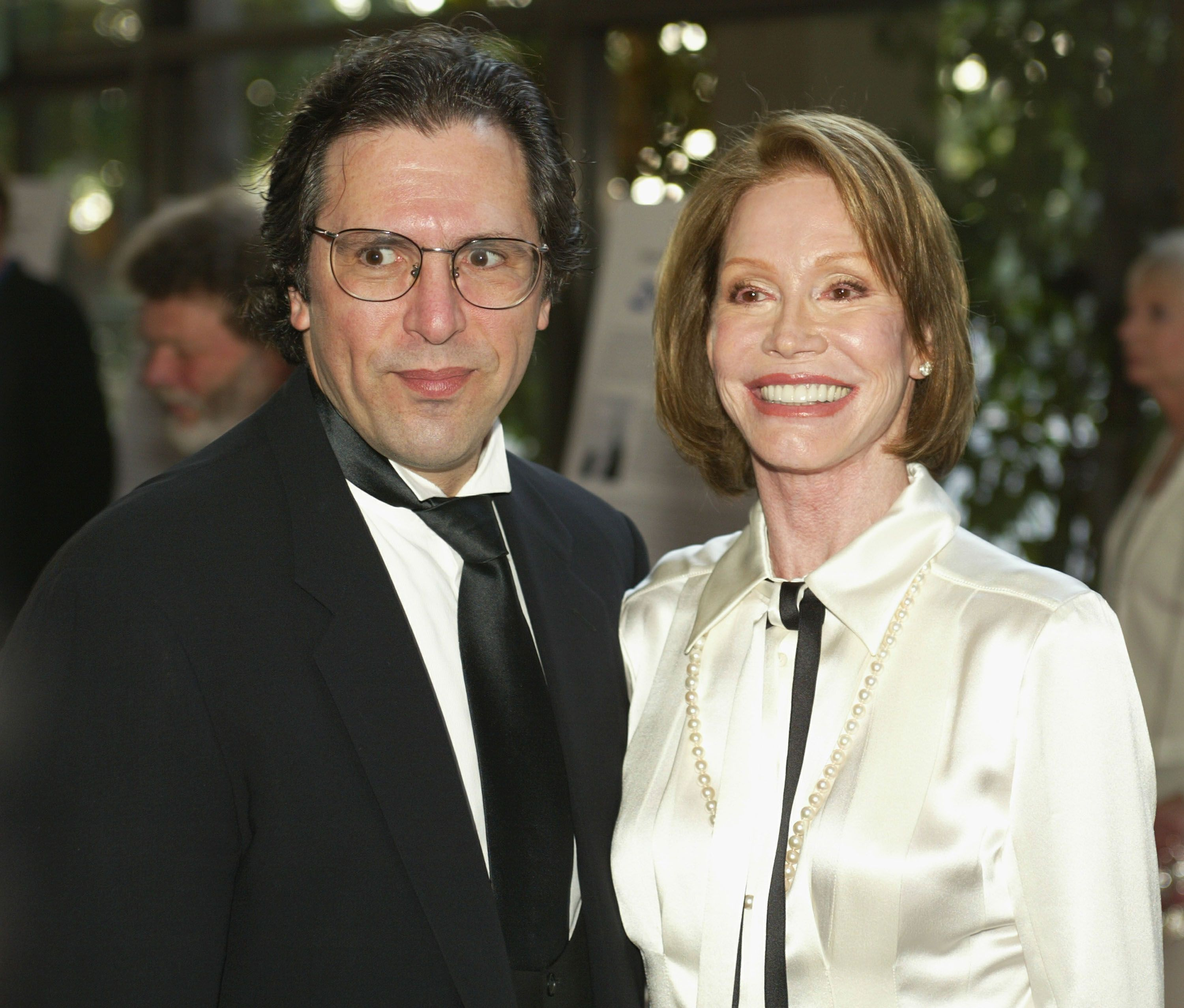 """Mary Tyler Moore and her husband Dr. Robert Levine at the American Screenwriters Associations' """"2002 Screenwriting Hall of Fame Awards."""" 