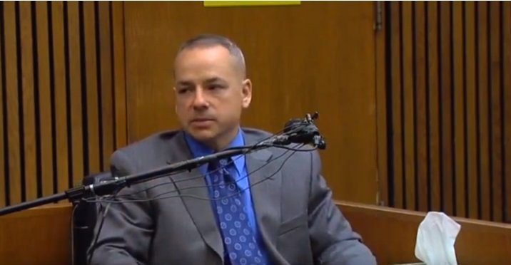 Weekley, Police officer who shot 7-year-old girl during a police raid.| Photo: YouTube/ CNN.