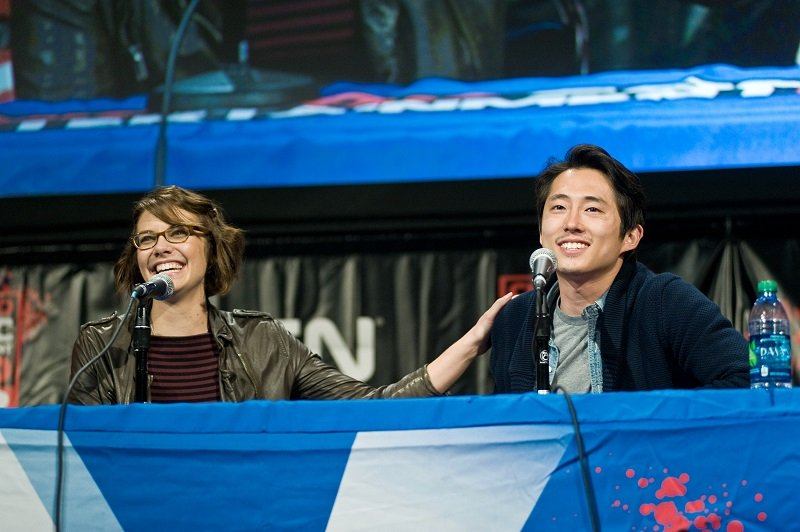 Lauren Cohan and Steven Yeun on April 14, 2012 in Chicago, Illinois | Photo: Getty Images