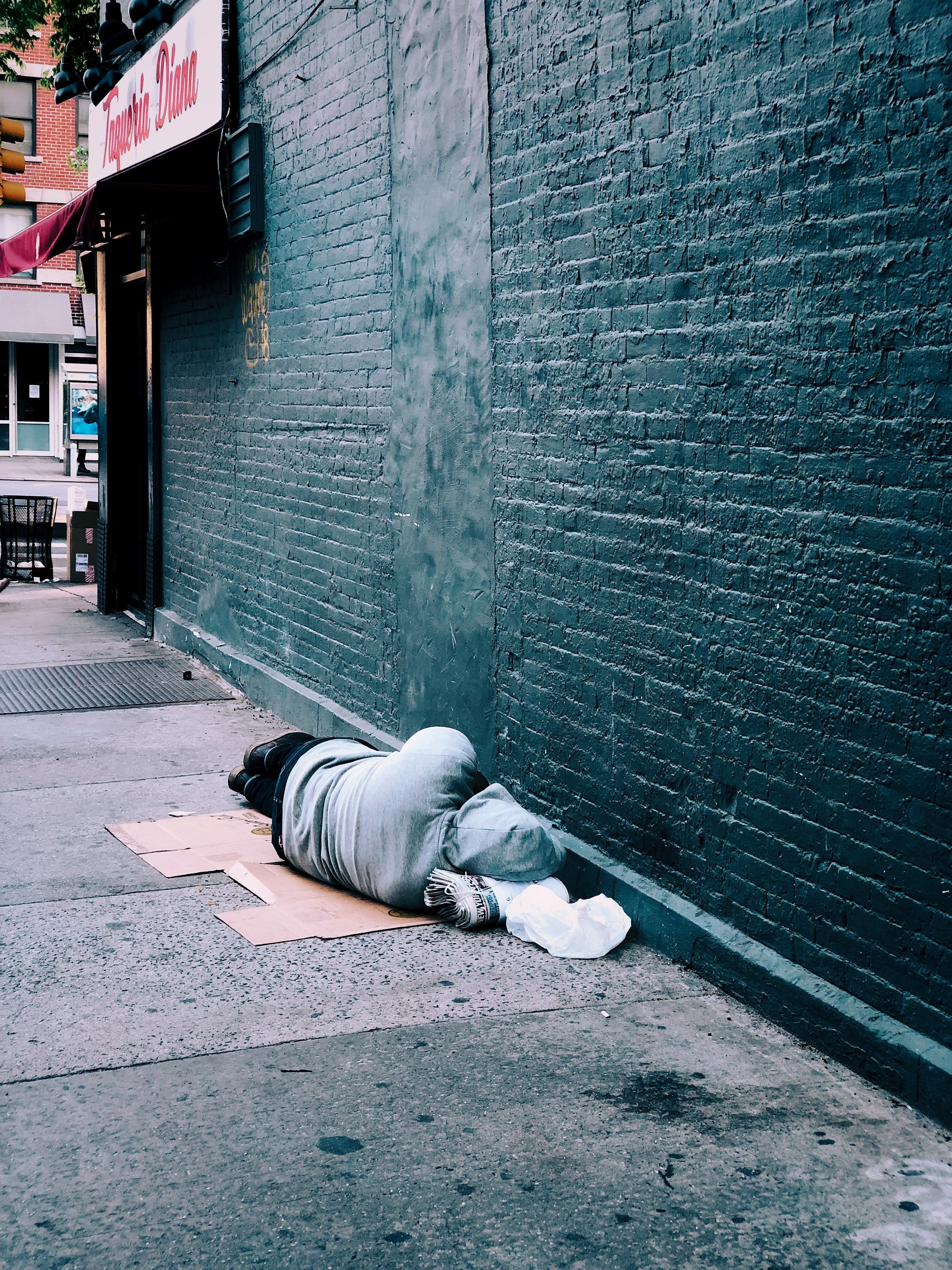 The homeless man looked like he needed medical help   Source: Pexels`