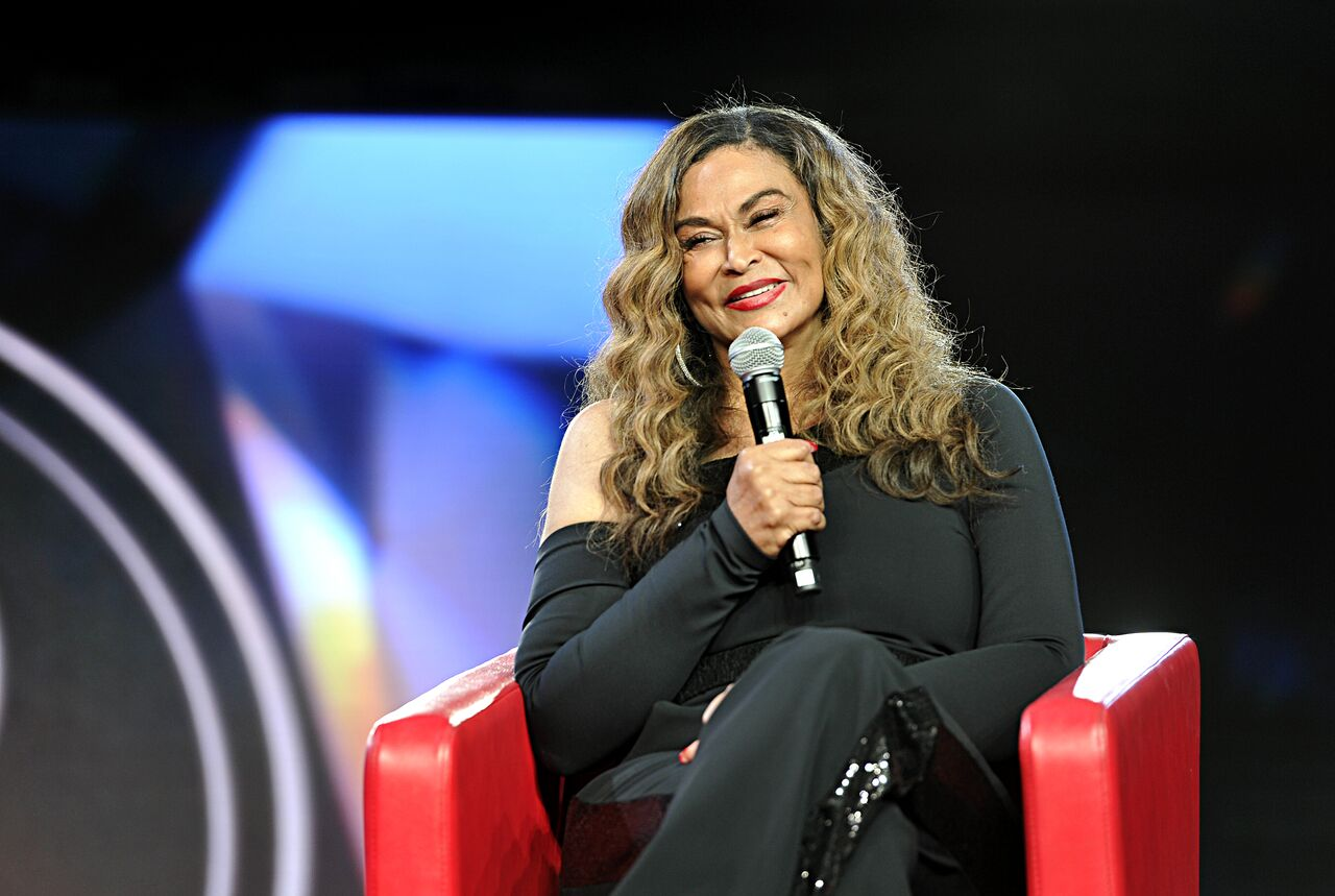 Tina Knowles attends Beautycon Festival Los Angeles 2019 at Los Angeles Convention Center on August 10, 2019. | Photo: Getty Images