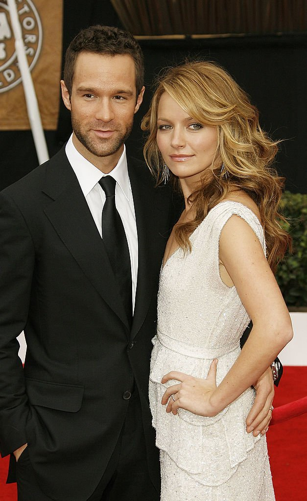 Chris Diamantopoulos and Becki Newton arrive at the 14th annual Screen Actors Guild awards | Getty Images