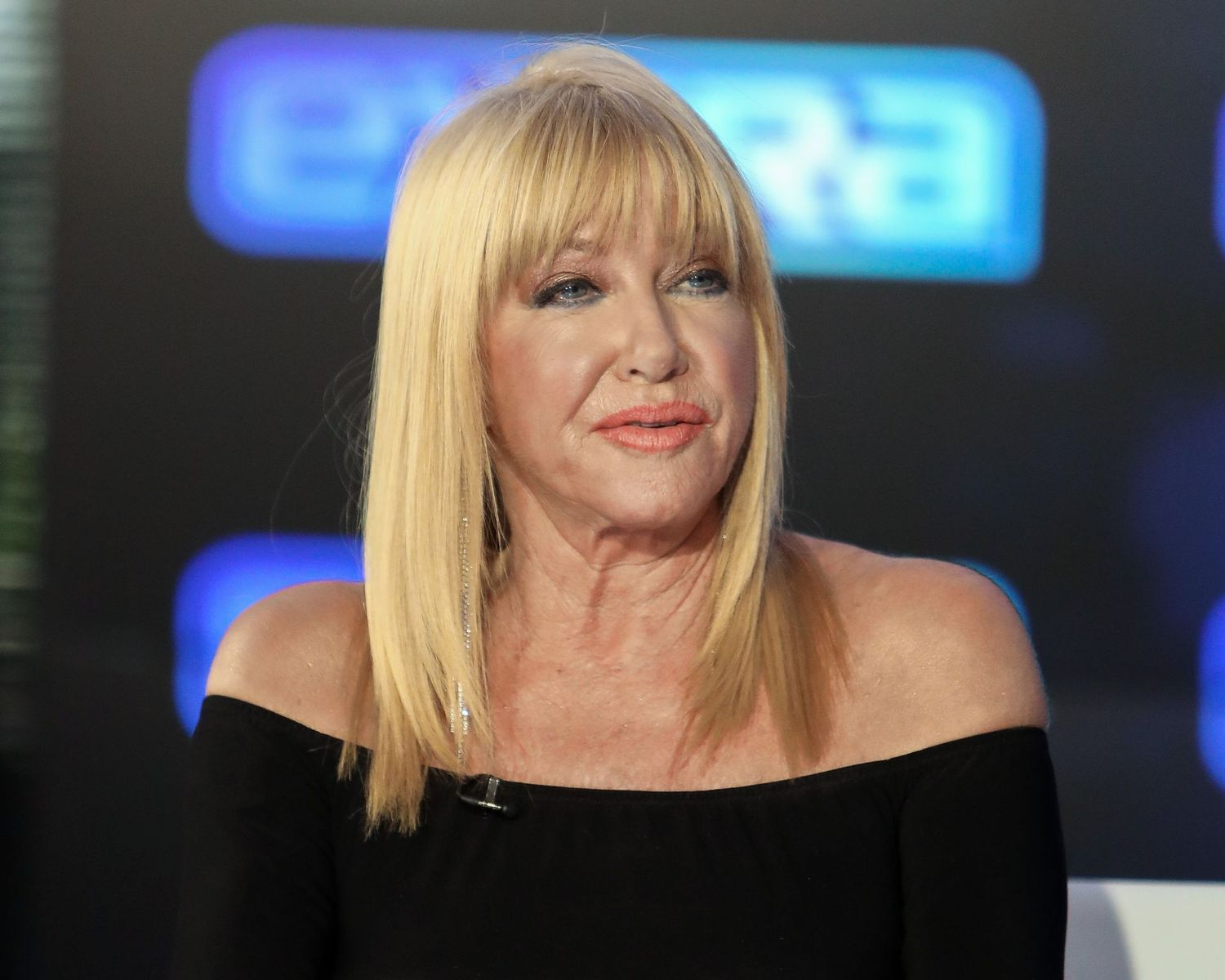 """Suzanne Somers visits """"Extra"""" at Burbank Studios on February 19, 2020. 