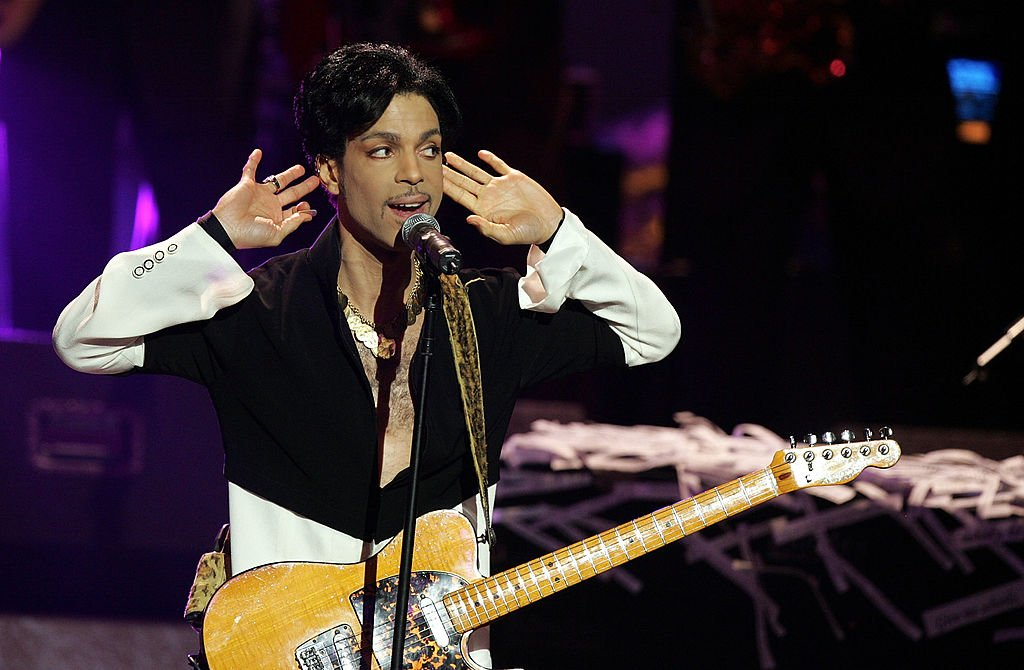 Musician Prince performs onstage at the 36th Annual NAACP Image Awards at the Dorothy Chandler Pavilion on March 19, 2005 in Los Angeles, California. | Photo: Getty Images
