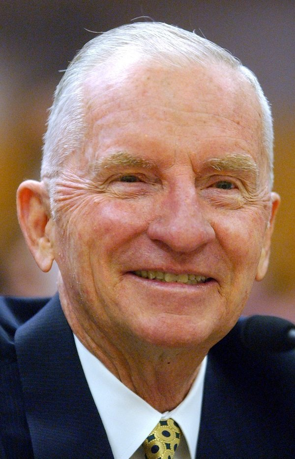 Ross Perot in Sacramento, California on July 11, 2002 | Source: Getty Images/Global Images Ukraine