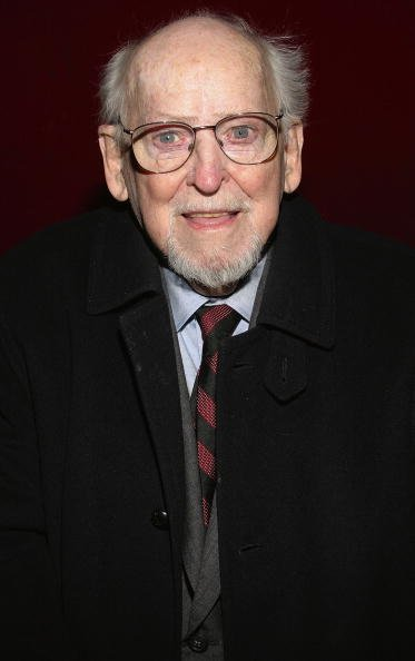 Barnard Hughes attends the Opening of Frozen at Circle In The Square Theatre on May 4, 2004, in New York City. | Source: Getty Images.