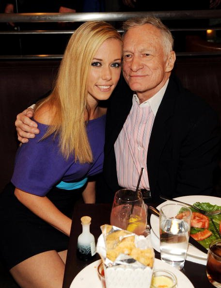 Kendra Wilkinson and Hugh Hefner at Nine Steakhouse at the Palms Resort & Casino on April 4, 2009 in Las Vegas, Nevada. | Photo: Getty Images