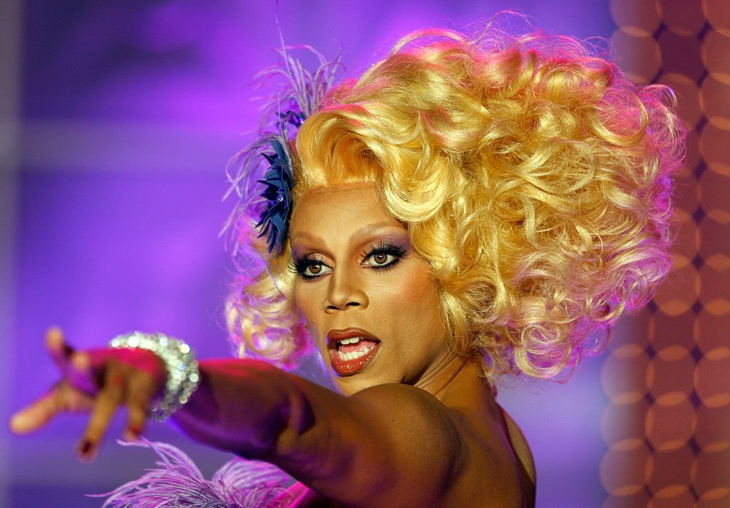 RuPaul takes the stage during the taping of RuPaul's Drag Race Season 2 in Culver City July 31, 2009 | Photo: GettyImages