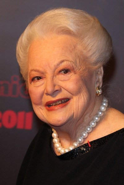 Olivia de Havilland arrives at the 36th Cesar Awards at Theatre du Chatelet on February 25, 2011 in Paris, France   Photo: Getty Images