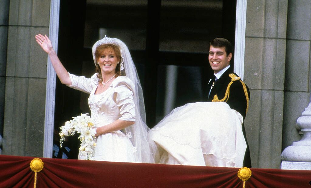 Sarah Ferguson and Prince Andrew on the balcony of Buckingham Palace after their wedding  | Getty Images
