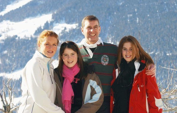 The Duchess of York, Princess Eugenie, the Duke of York and Princess Beatrice attend a photocall on February 18, 2003 in Verbier, Switzerland | Photo: Getty Images
