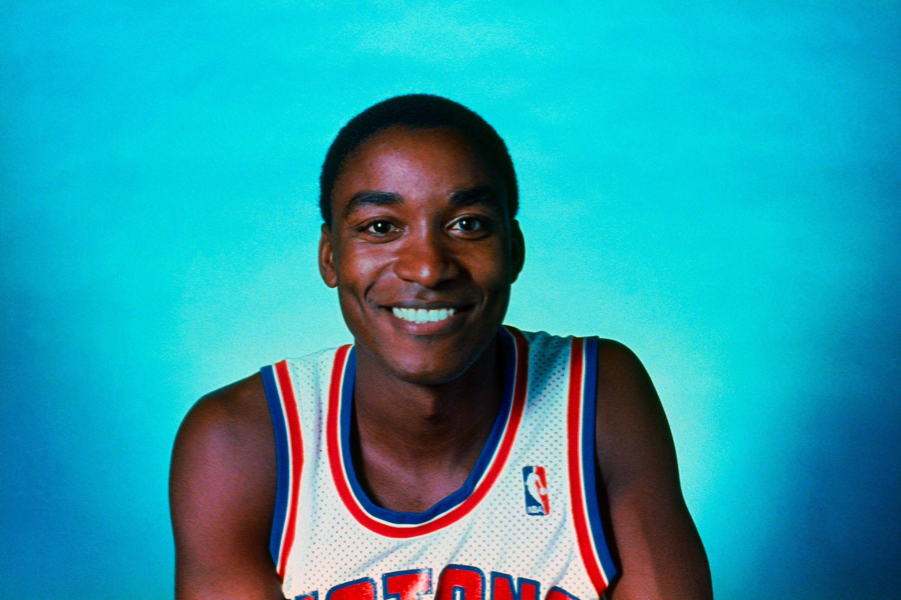 NBA legend Isiah Thomas in a 1987 portrait at the Pontiac Silverdome in Michigan. | Photo: Getty Images