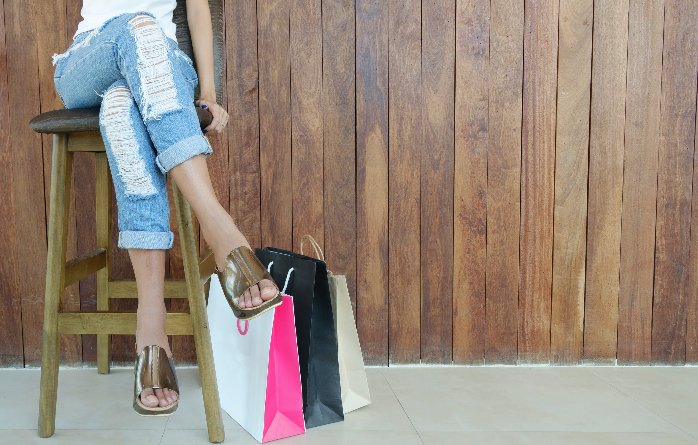 I threw out the dowdy old wardrobe that I'd bought to please Zack | Source: Pexels