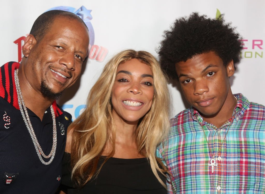 Kevin Hunter, wife Wendy Williams and son Kevin Hunter Jr pose at a celebration for The Hunter Foundation Charity on July 11, 2017 | Photo: Getty Images