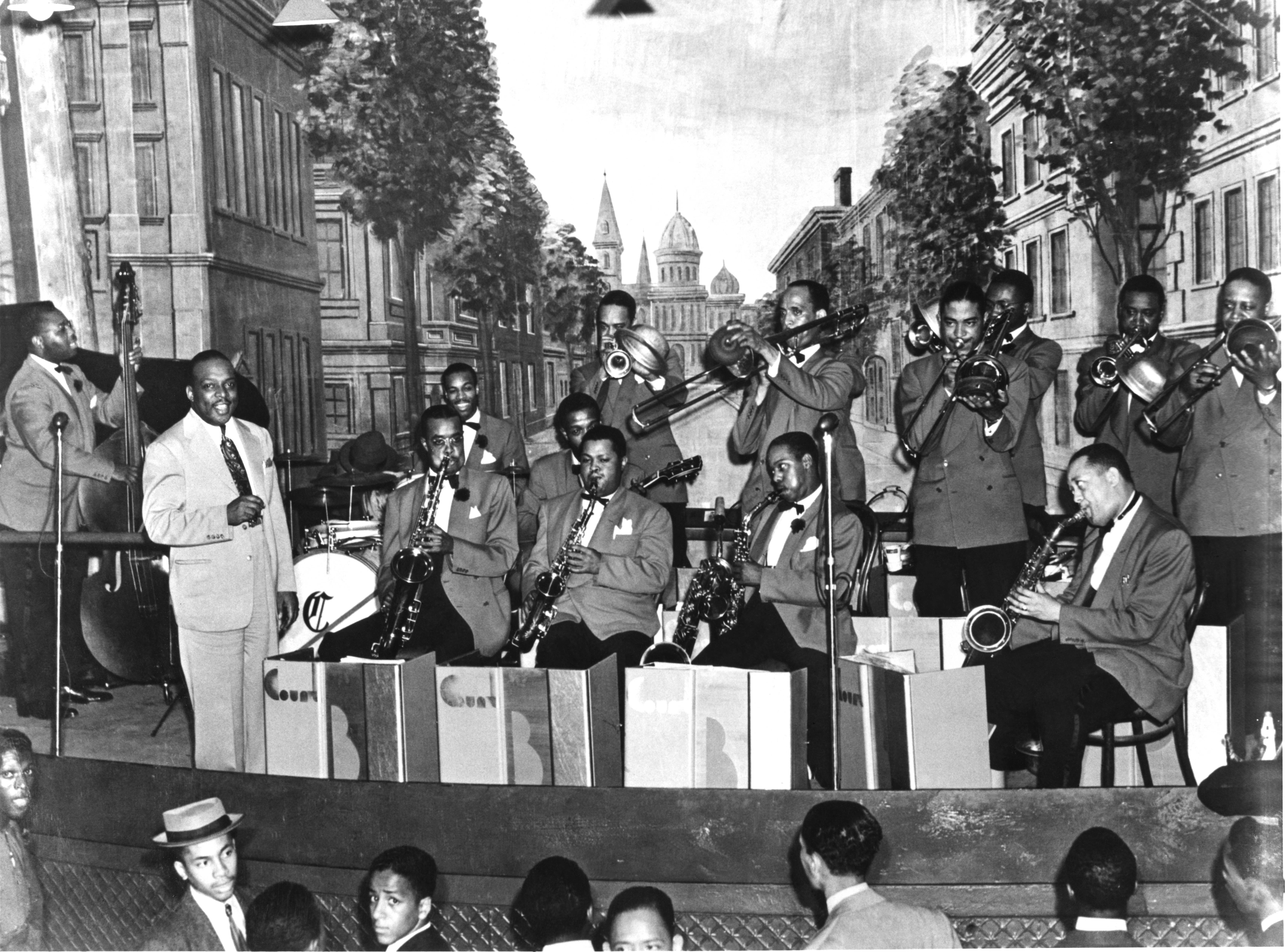 Buddy Tate was a member of the Basie Orchestra for 10 years. They're seen here performing in Chicago, 1940. | Photo: Getty Images.