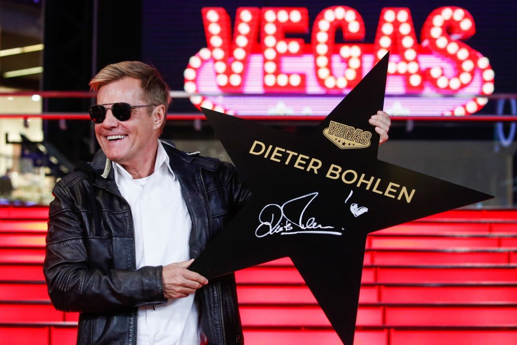 Dieter Bohlen bei einer Zeremonie zur Enthüllung seines Stars auf dem Walk of Fame im Einkaufszentrum Vegas Crocus City. (Foto von Artyom Geodakyan) I Quelle: TASS via Getty Images