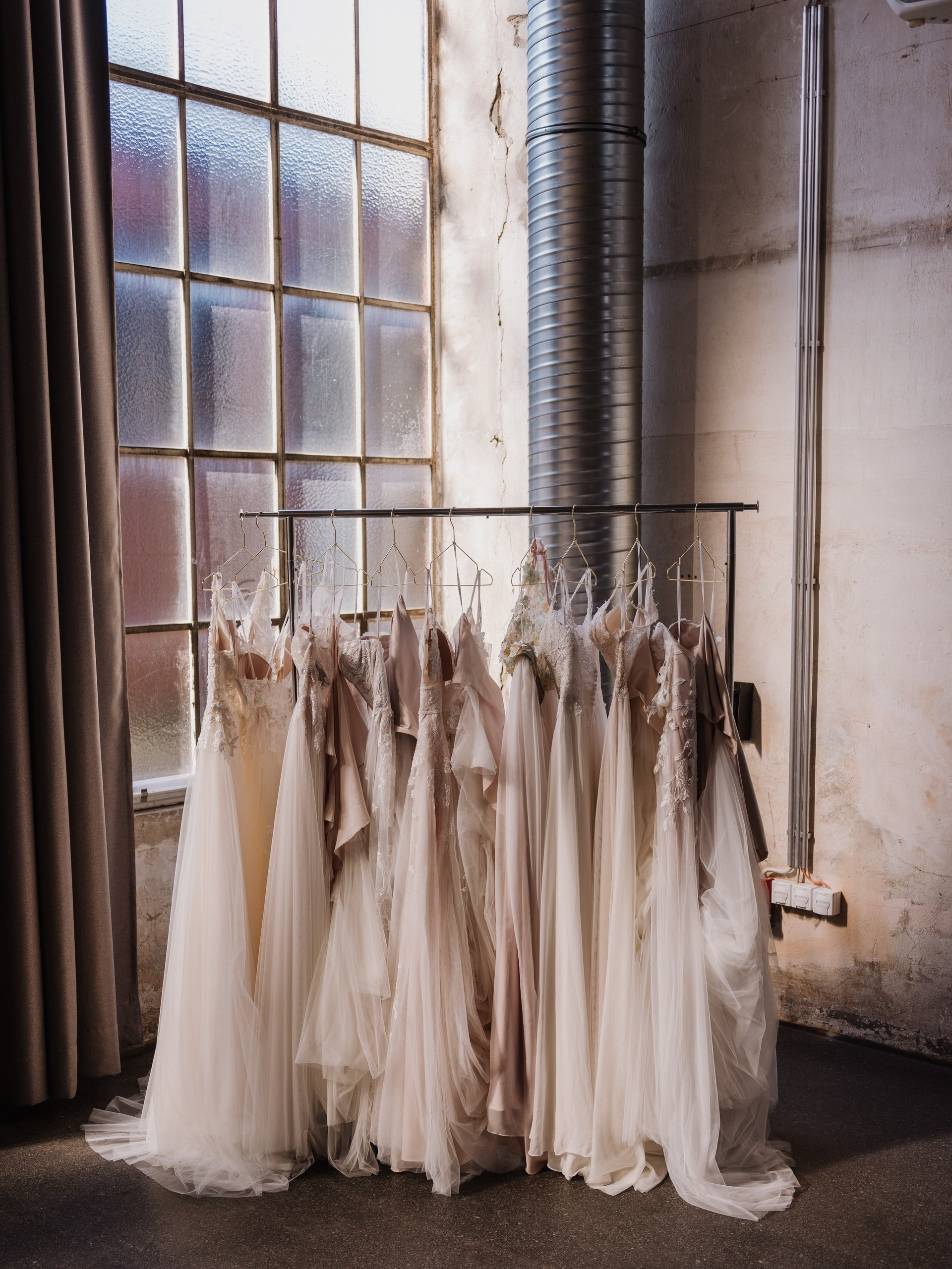 Stella tried to reason with her mother-in-law while wedding dress shopping. | Source: Unsplash