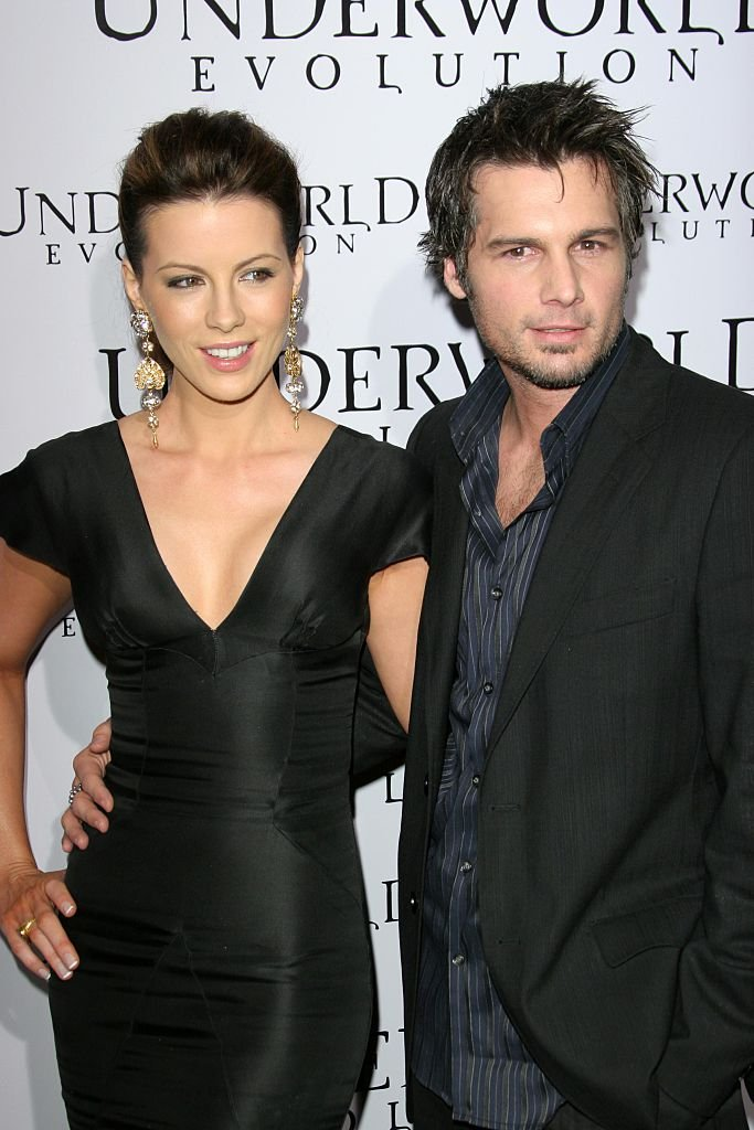 "Kate Beckinsale et Len Wiseman assistent à la première mondiale de ""Underworld Evolution"" au Cinérama Dôme le 11 janvier 2006 à Hollywood, CA. 